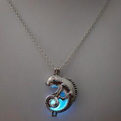 ChameleonFarm Sötétben világító kaméleonos nyaklánc | Kék